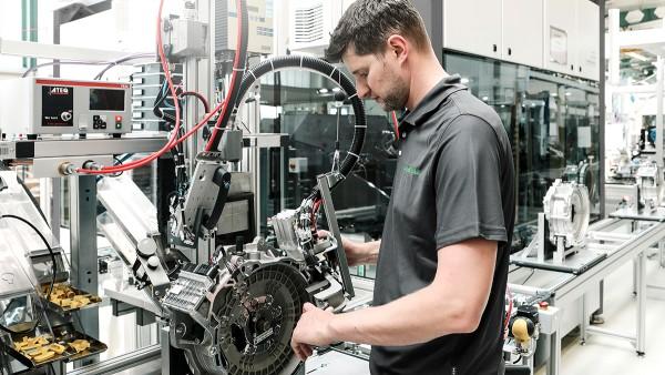 Manual leak testing of hybrid modules